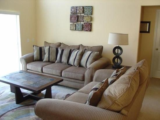 3128MW. Comfortable 4 Bedroom Pool Home in Gated Golf Community, vacation rental in Haines City