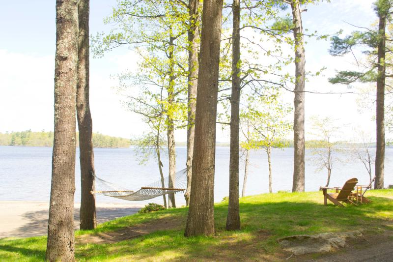 Family Friendly Cottage on Androscoggin Lake, holiday rental in Greene