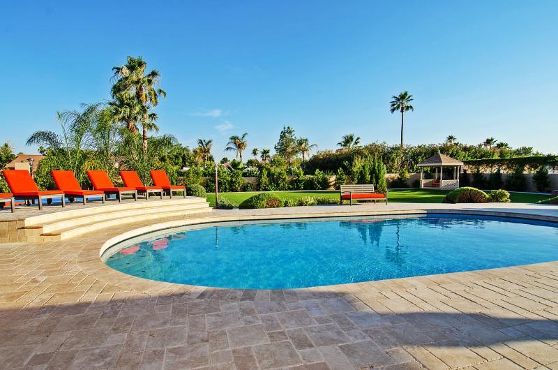 Take a dip in this huge pool on those hot Arizona days