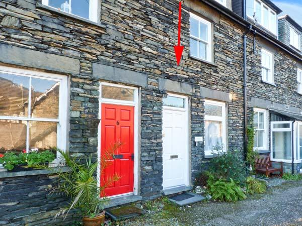 ROTHAY COTTAGE, traditional cottage, close to amenities, magnificent views in, holiday rental in Ambleside