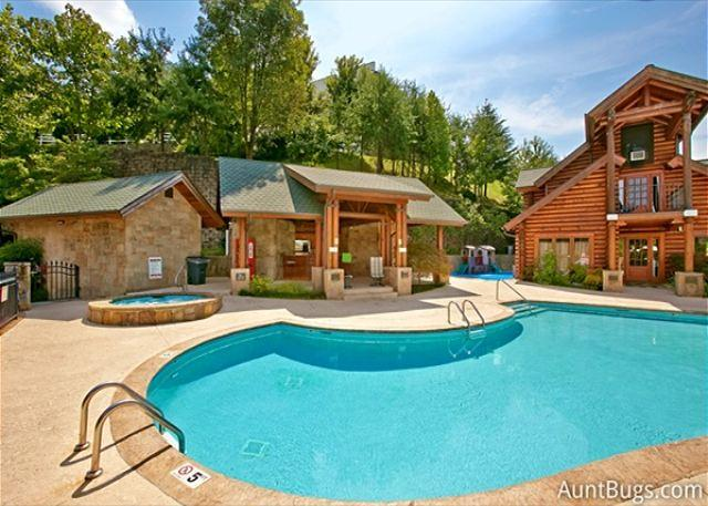 Cozy Bear Cove #288- Resort Outdoor Pool