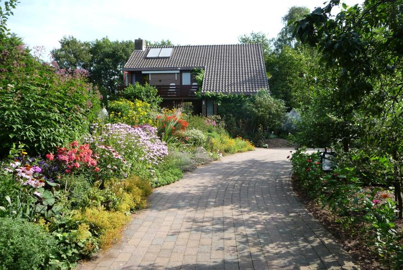 Apartment Familie van Vliet. Large garden, private bathrooms, own entry., Ferienwohnung in Wijchen