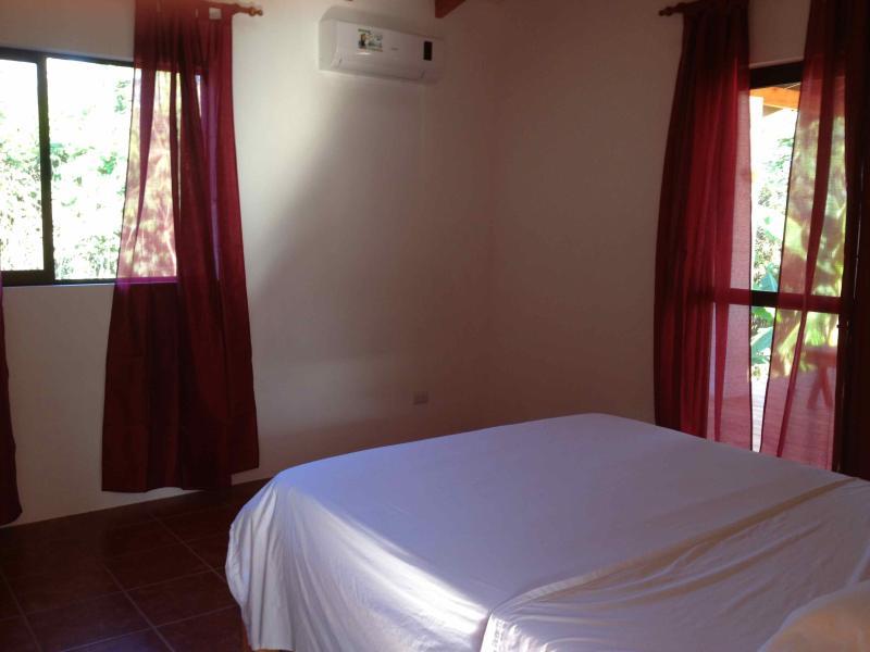 dormitorio principal con baño incorporado