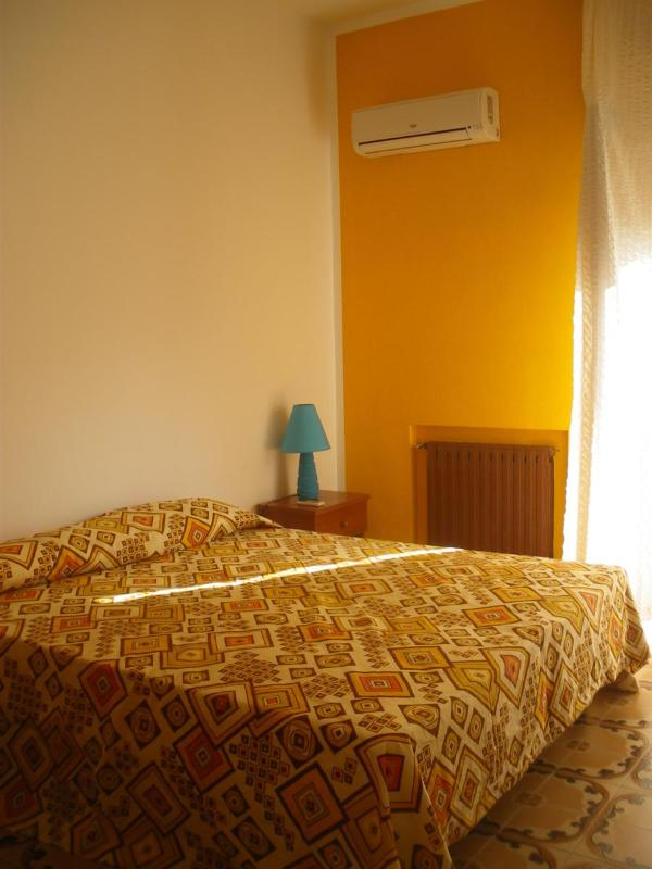 Double room with balcony and air conditioned hot-cold