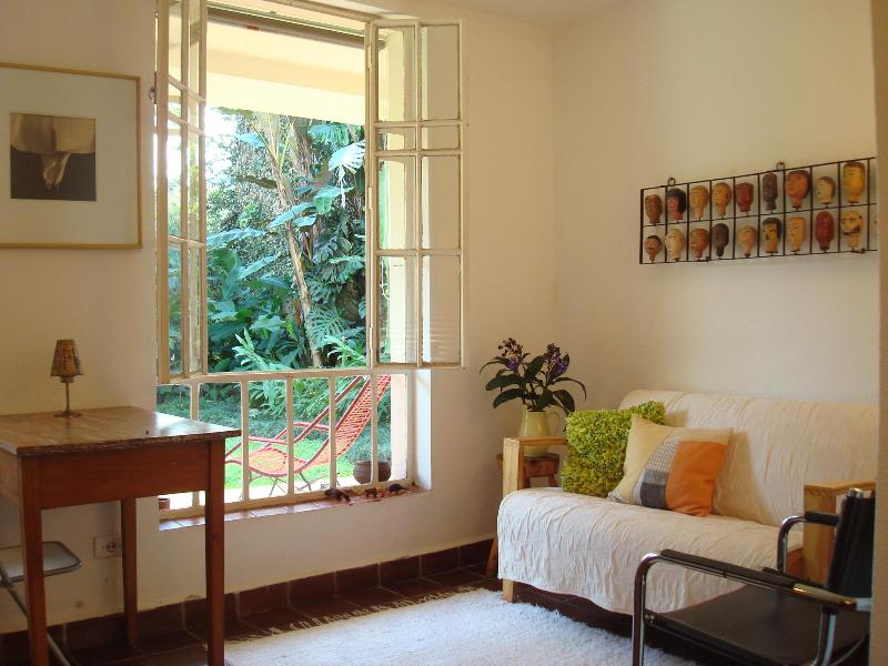 Sunny Flat With Tropical Garden, vacation rental in Santo Andre
