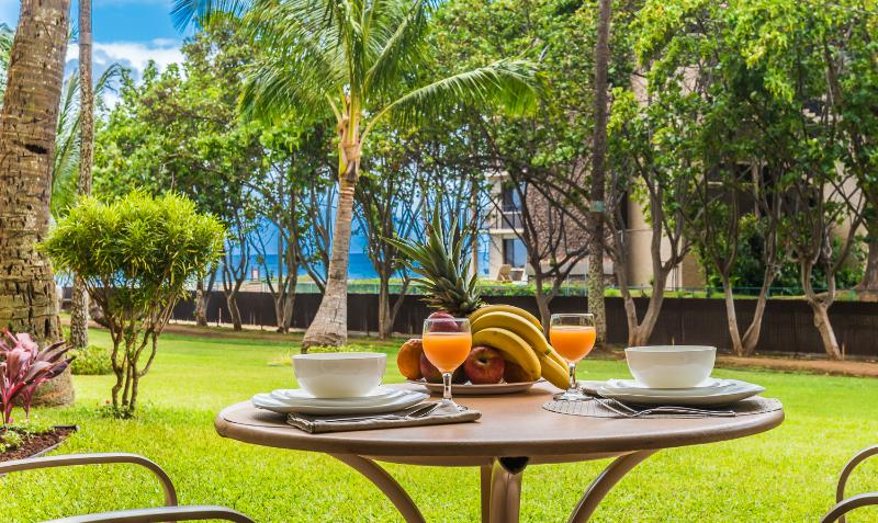 Oceanview Condo 110  Kaanapali Shores- Oceanview condo with all amenities, alquiler de vacaciones en Lahaina