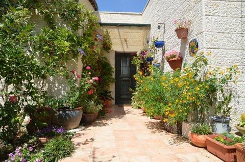 29 min from Jerusalem, 30 minutes from Tel Aviv, holiday rental in Kefar Uriyya