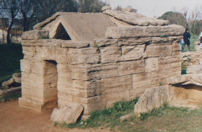 Populonia - Etruscan tomb and ruins