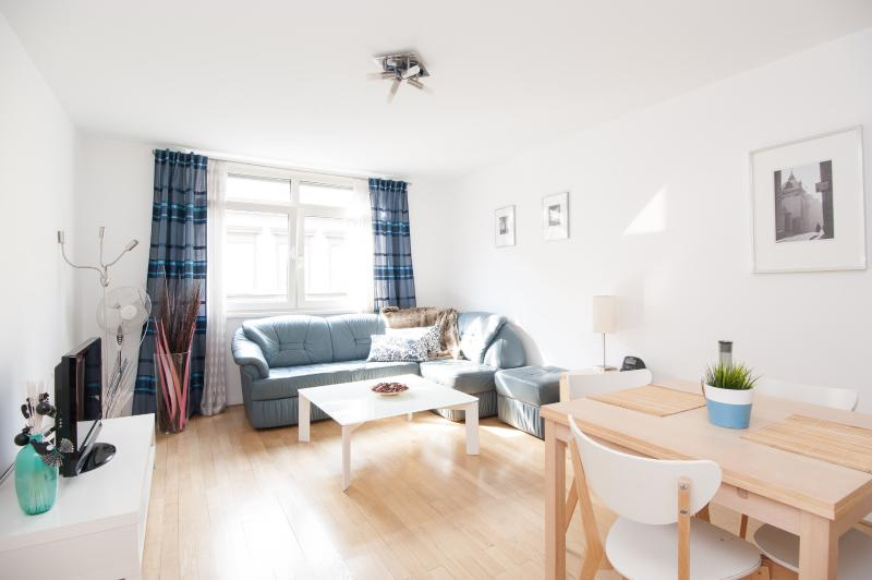 Vienna-very good easily accessible flat, WIFI free, location de vacances à Vienne