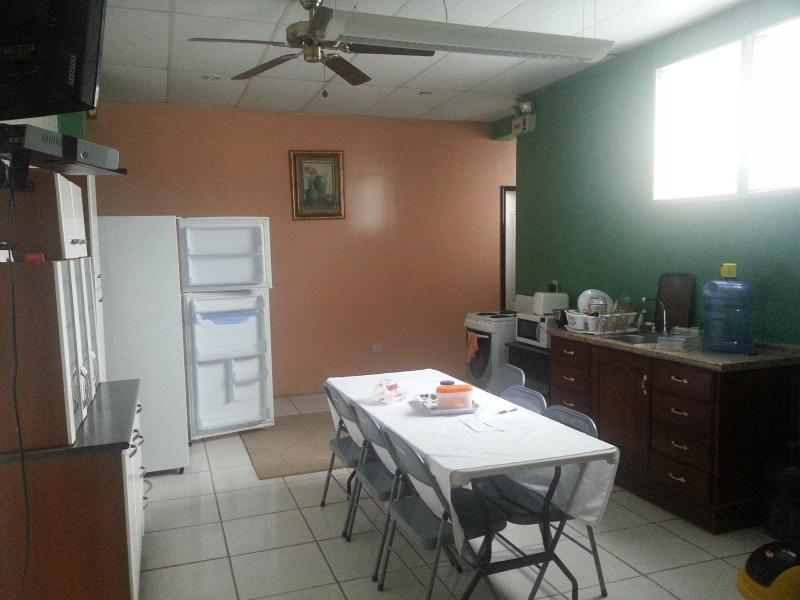 Three Rooms with Kitchenette, alquiler vacacional en Trujillo
