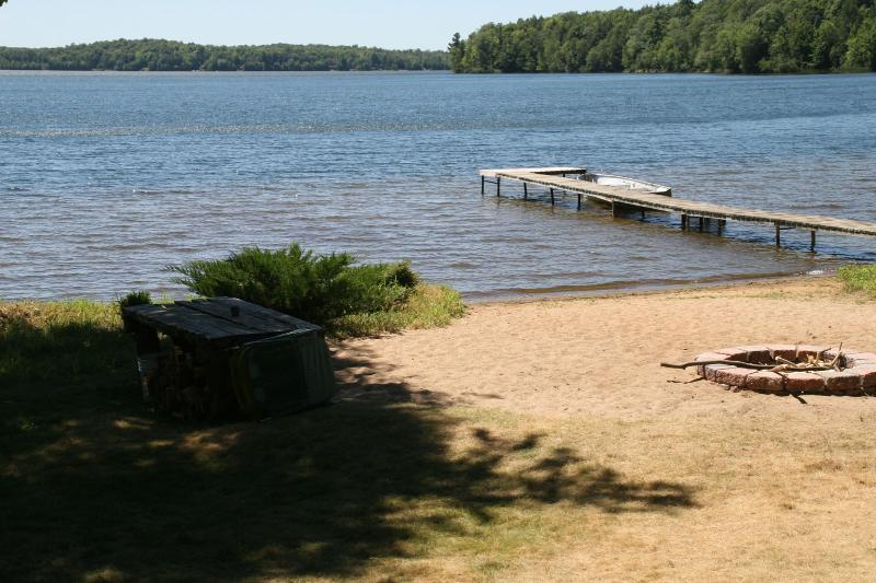 Butternut Lake A-Frame, location de vacances à Iron River