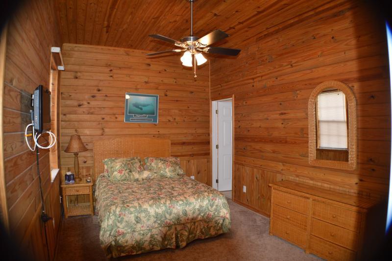 2 ° camera da letto con letto matrimoniale e bagno completo