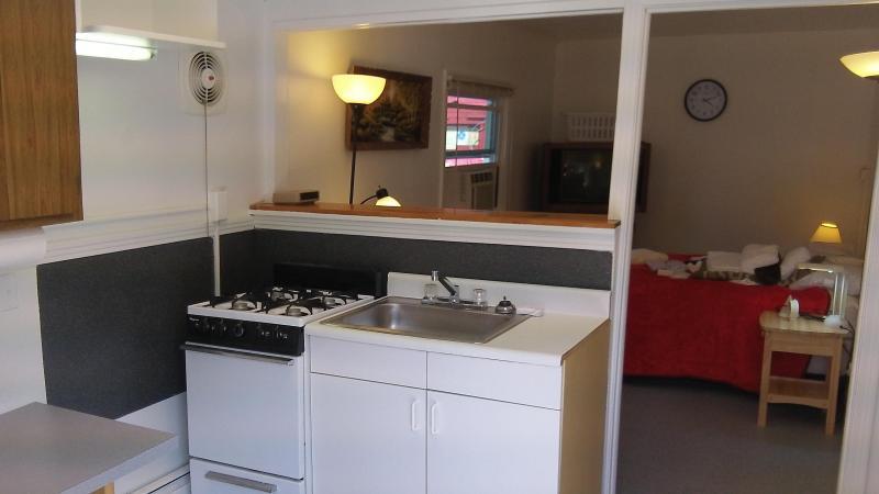 Kitchenette with utensils