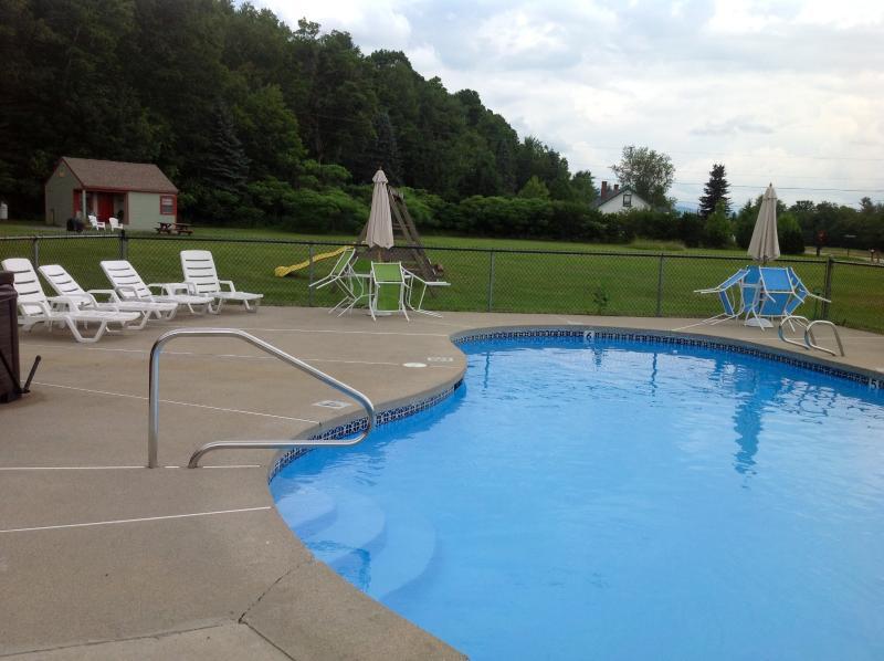 piscina climatizada de agua salada, nunca lleno