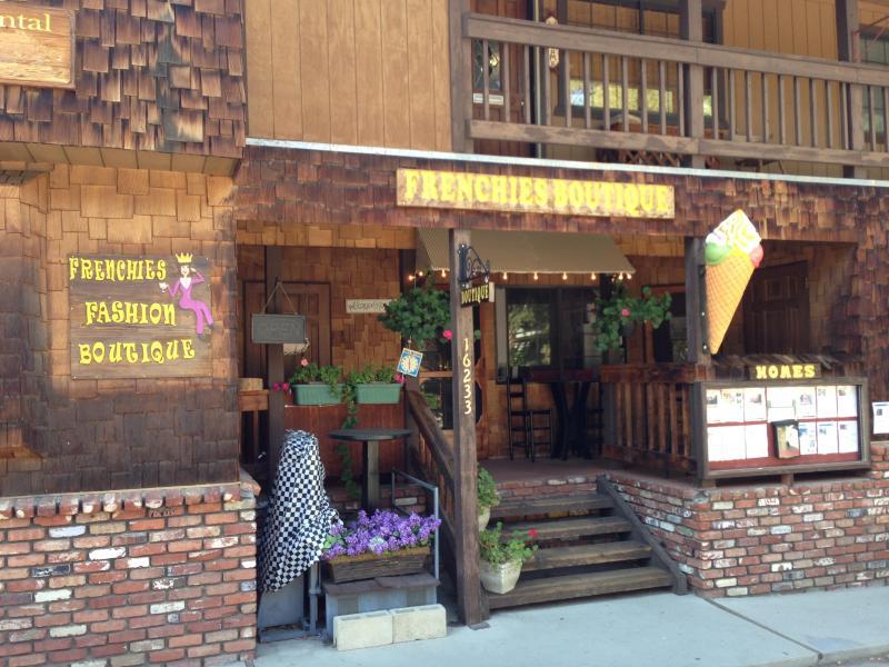 Välkommen till Pine Mountain Club Village Center