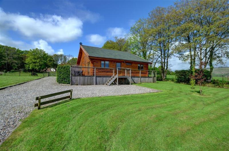 Pine Lodge is a high quality semi-detached lodge cottage in a rural location near Swansea and Gower