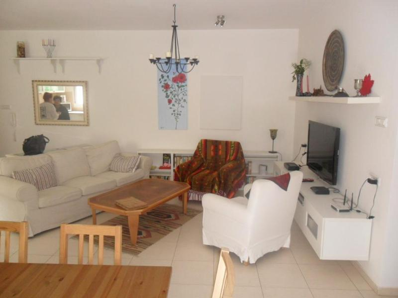 Be'er Sheva Luxurious 2 bd, 2 ba with lrg garden – semesterbostad i Beersheba