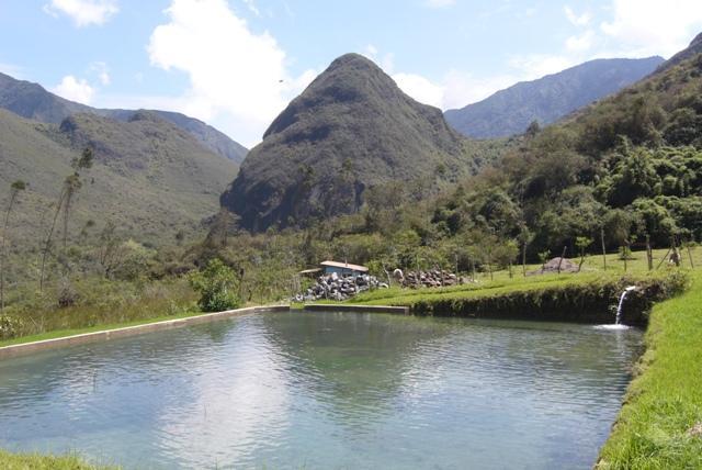 QUILLOTURO POND