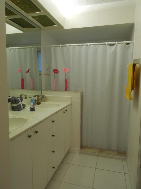 Shared Bathroom (Bdrm 2 + 3)
