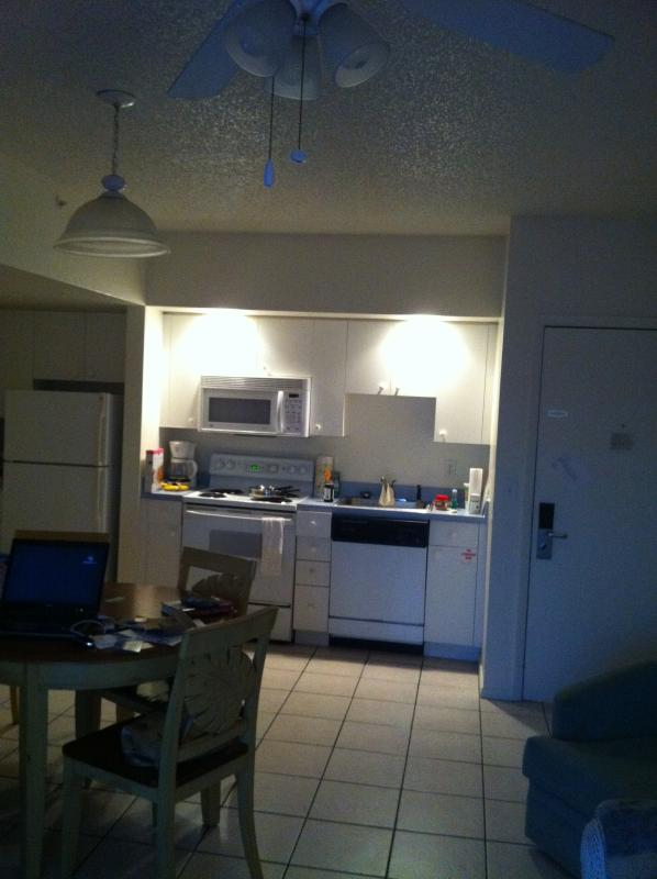 Kitchen/Dining Area