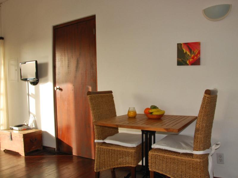 Matplats i vardagsrummet, lägenhet 4