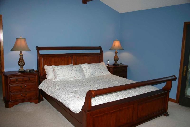 King Size Tempurpedic - Master Bedroom