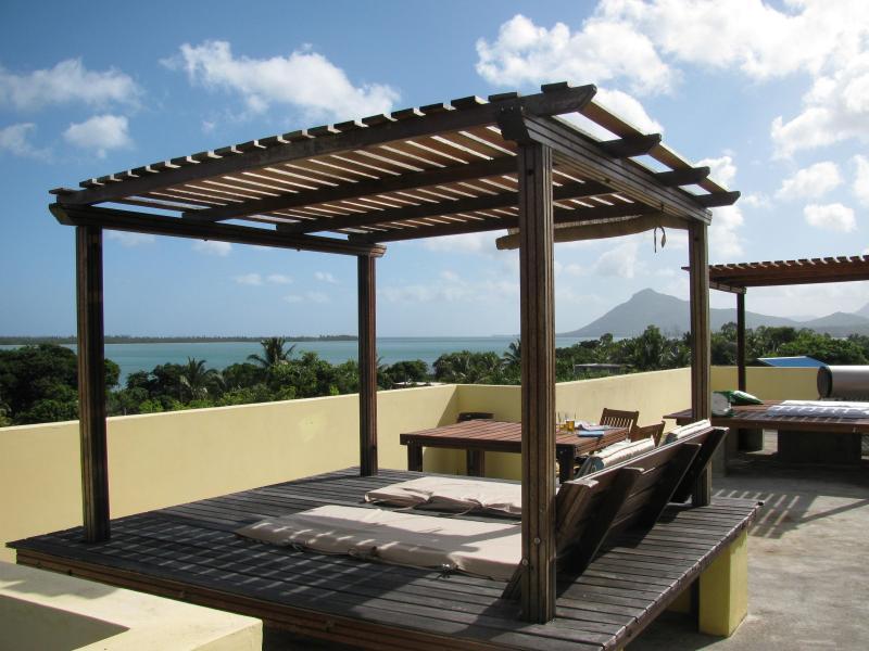 Studio 4 Private garden terrace with UNESCO views, holiday rental in Bel Ombre