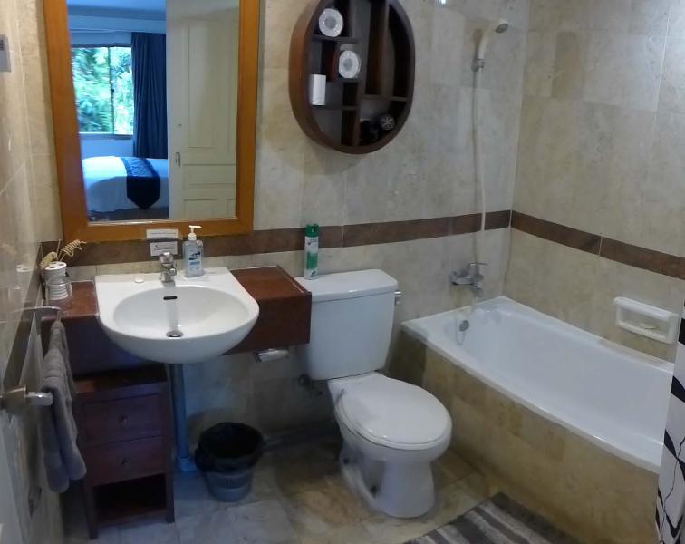 Barbs Bali Apartments, vacation rental in Legian