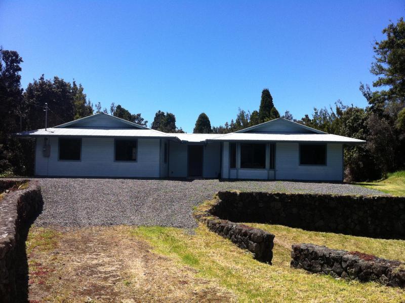 Paani Ohana House in Volcano!, alquiler vacacional en Volcán
