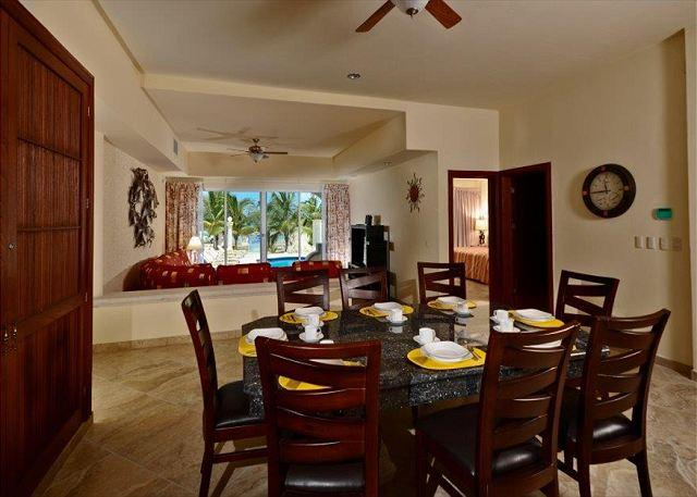 Dining area seats 8 and has ocean view!