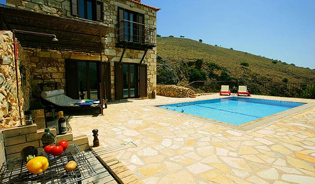 Experience villas Chrysa private with sea views, vacation rental in Exopoli