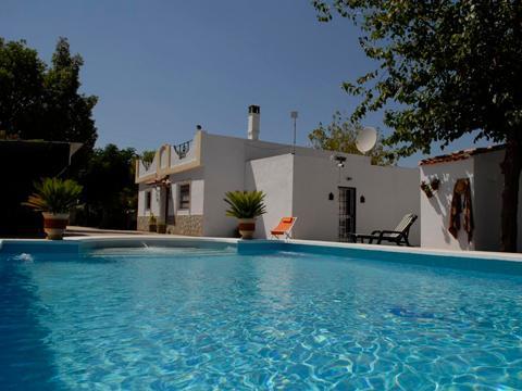 Villa Los Paraisos Self catering Villa for up to 6 persons,  near Seville, aluguéis de temporada em Moron de la Frontera