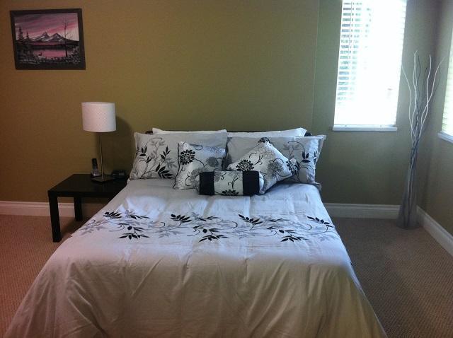 Bedroom 2   -- Queen Bed