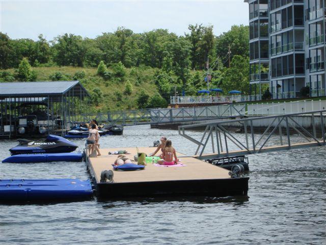 Swim Dock pour le lac piscine - Blue Anchor ajouté une autre baignade dock Nous avons donc maintenant 2!