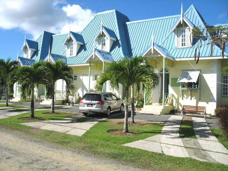 Tobago three bedroom Villa with panoramic seaview, close to airport and town., vacation rental in Lambeau