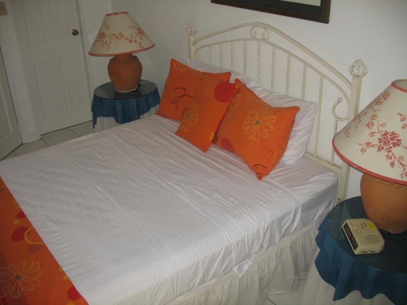 Queen sized bed on upper floor. A/C & Ceiling fan