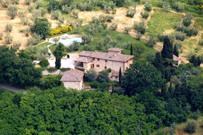 Tuscany Villa on a Hill Close to Florence - Villa Niccolo, vacation rental in San Casciano in Val di Pesa