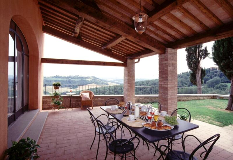 Pleasant Tuscan Apartment on Large Hillside Estate - Il Cortile del Borgo 14, holiday rental in San Gimignano