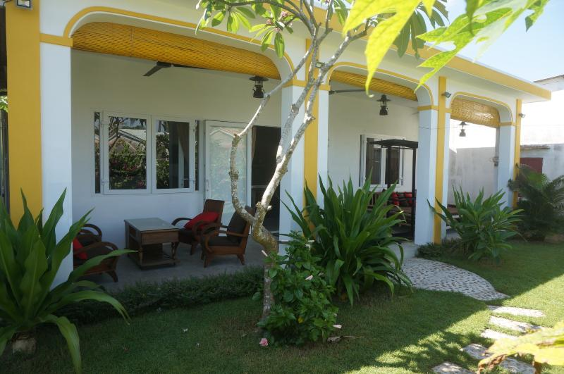Be's Bungalow verandah