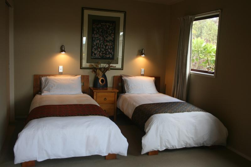 twin beds convert to king size as required