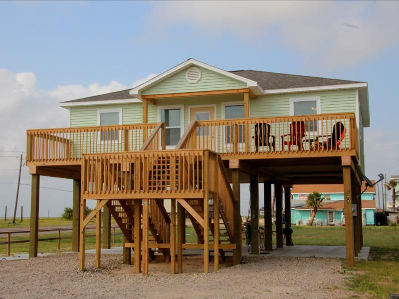 New beach home close to Surfside Beach. Less than a 100 yards away