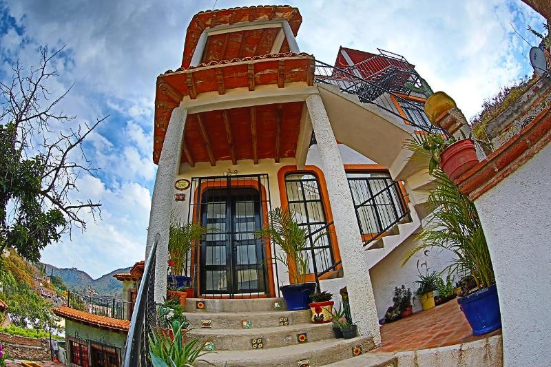 CASA DE LA PAZ- CASA PAZ, holiday rental in Guanajuato