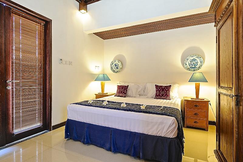 3 dormitorios con cama de matrimonio