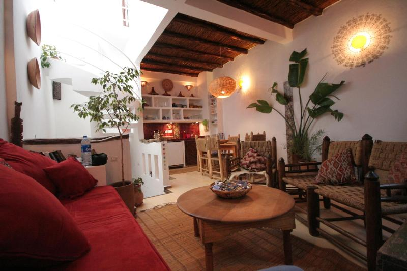 2nd floor, living area