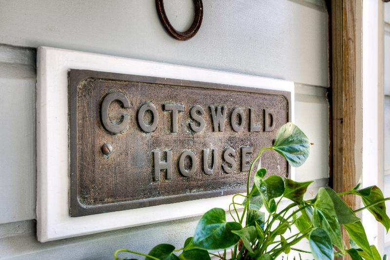 COTSWOLD HOUSE.