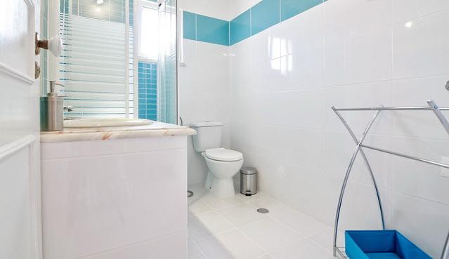 Lovely Bathroom all freshly renovated.