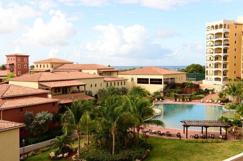 Mare... 1BR vacation rental * Porto Cupecoy, St Maarten