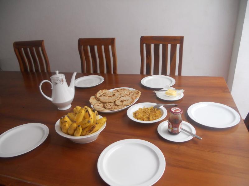 Sri Lankan petit déjeuner...