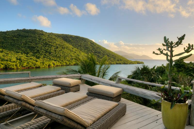 Lidskjalf at Annaberg - Walk to Francis Bay Beach!, vacation rental in Virgin Islands National Park
