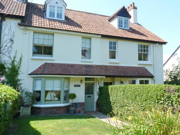 ENFIELD, en-suite shower rooms, close to amenities in Porlock, Ref. 28181, holiday rental in Porlock